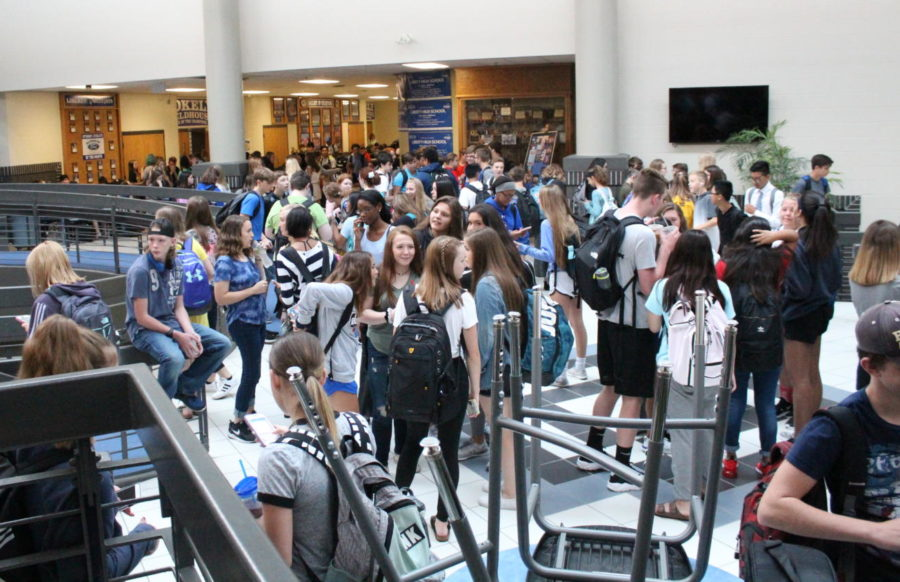 While waiting for first period to begin, students congregate in the Commons during the new Late Start Wednesdays.