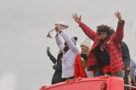 Chiefs quarterback Patrick Mahomes rallies his fans at the Chiefs parade on Wednesday, Feb. 5. Photo by Emma McDonald.